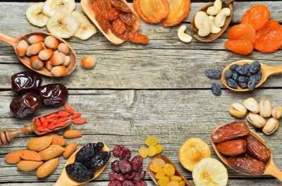 Медики назвали сухофрукты, которые полезно есть каждый день