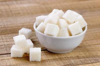 Медики напомнили, сколько сахара в день можно съесть без вреда